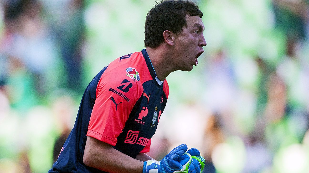 The heads-up goalkeeping of Agustin Marchesin has Santos poised for <i>Liguilla</i> semifinal success.