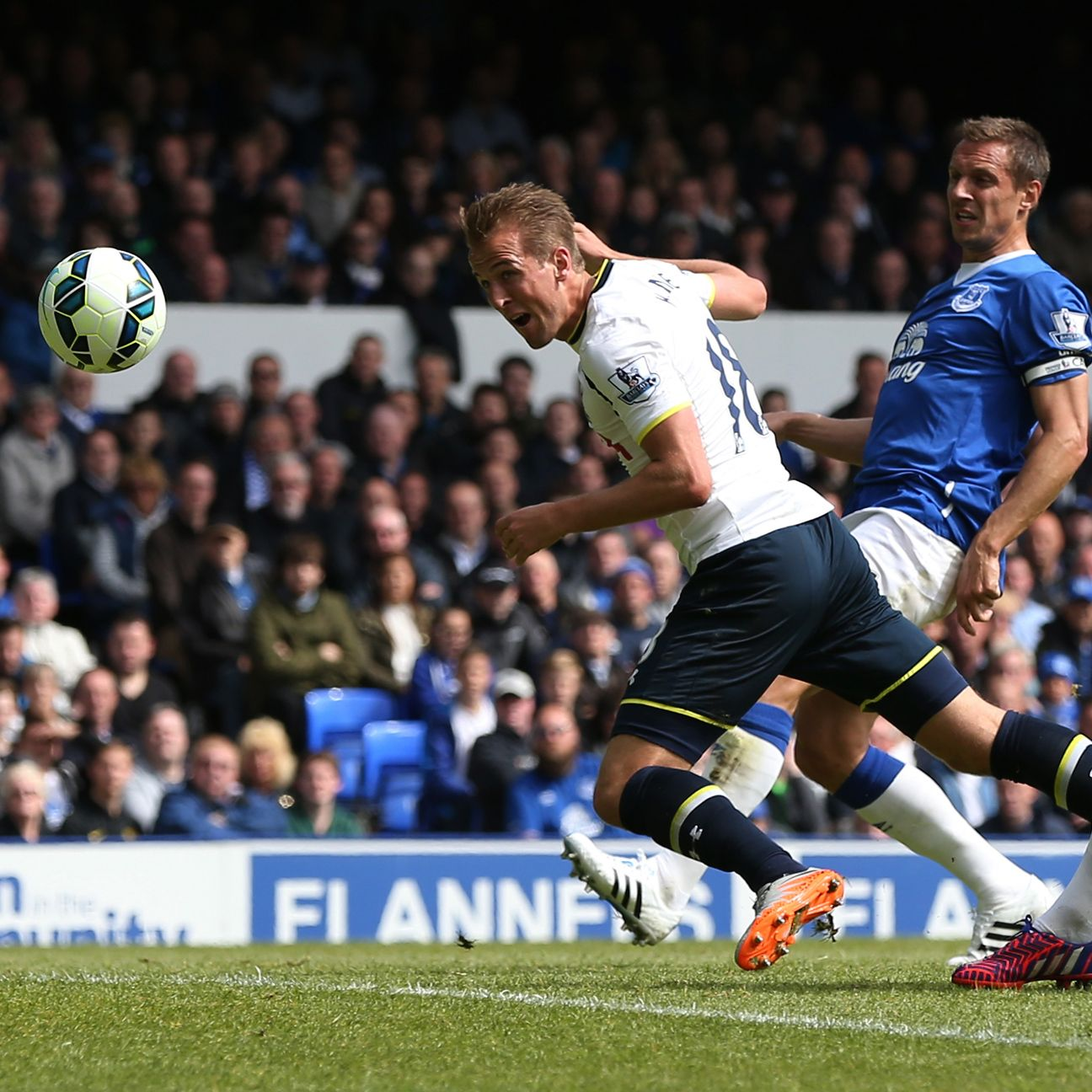 Harry Kane scored in Tottenham's finale to end 2014-15 with 21 Premier League goals.