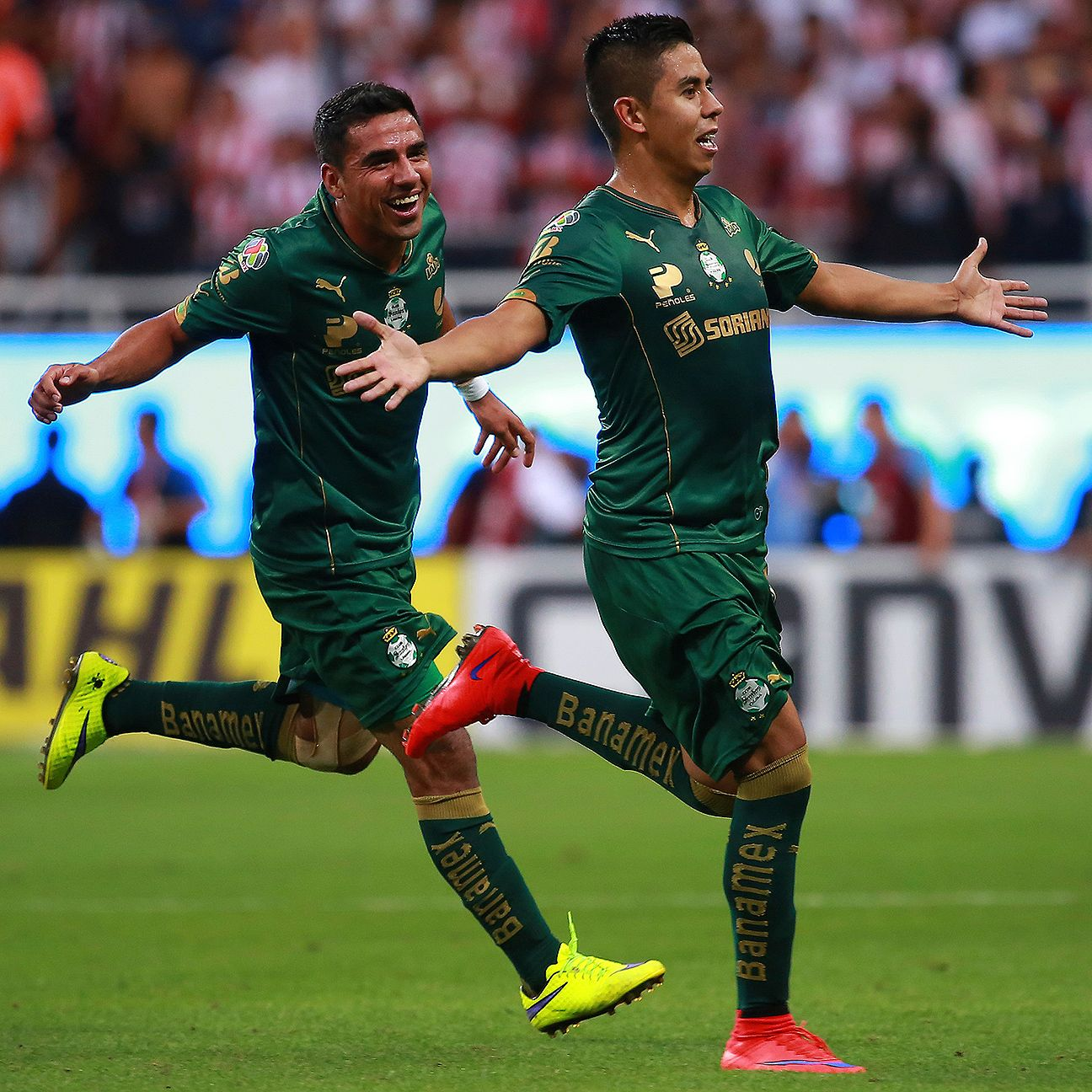 Nestor Calderon, right, guided Santos to their emphatic semifinal triumph in Guadalajara versus Chivas.