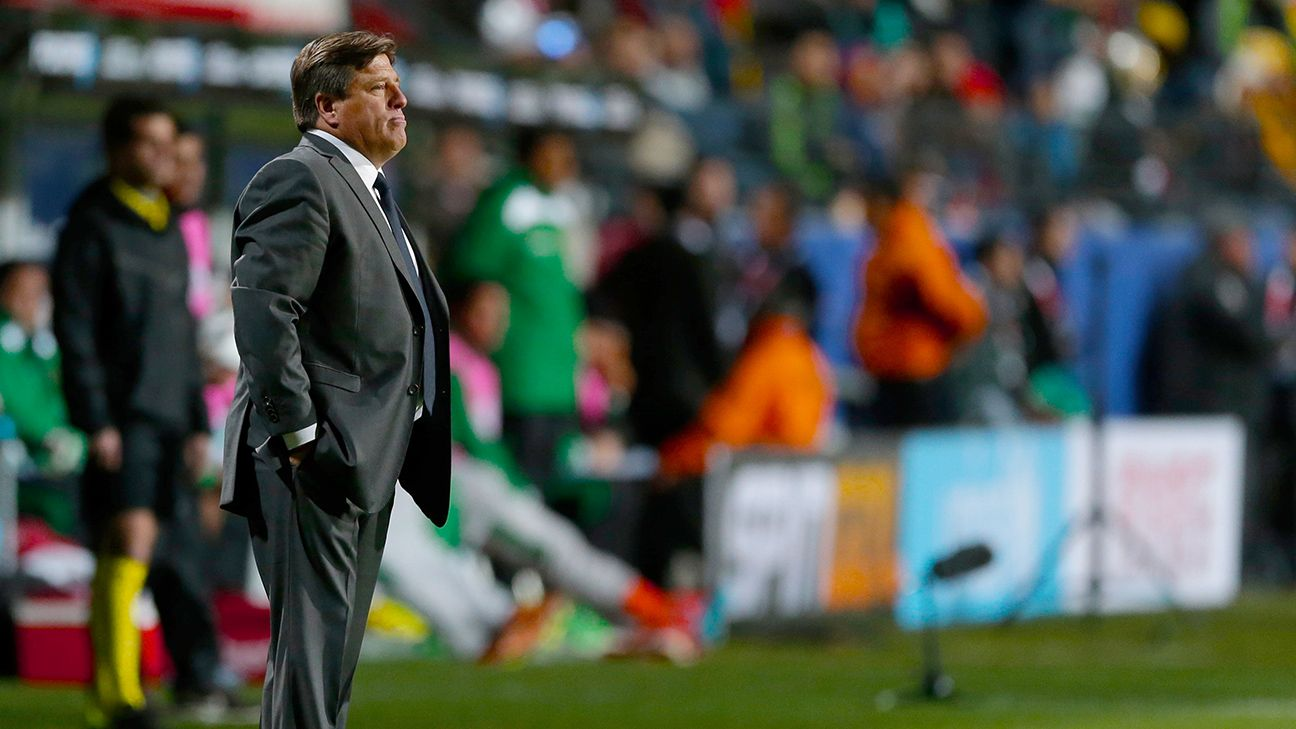 Miguel Herrera's Mexico are off to an inauspicious start in the Copa America.