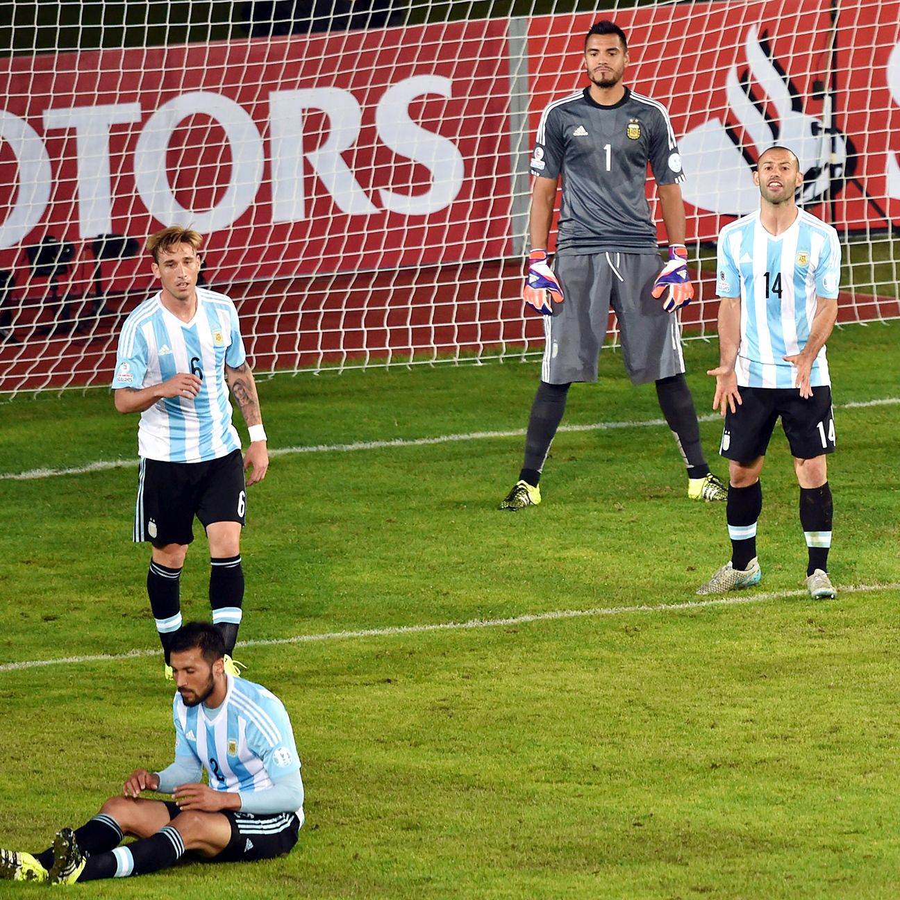 Argentina's inability to come to grips with Paraguay's second half changes bodes poorly for the <i>Albiceleste</i> in their key clash with Uruguay.