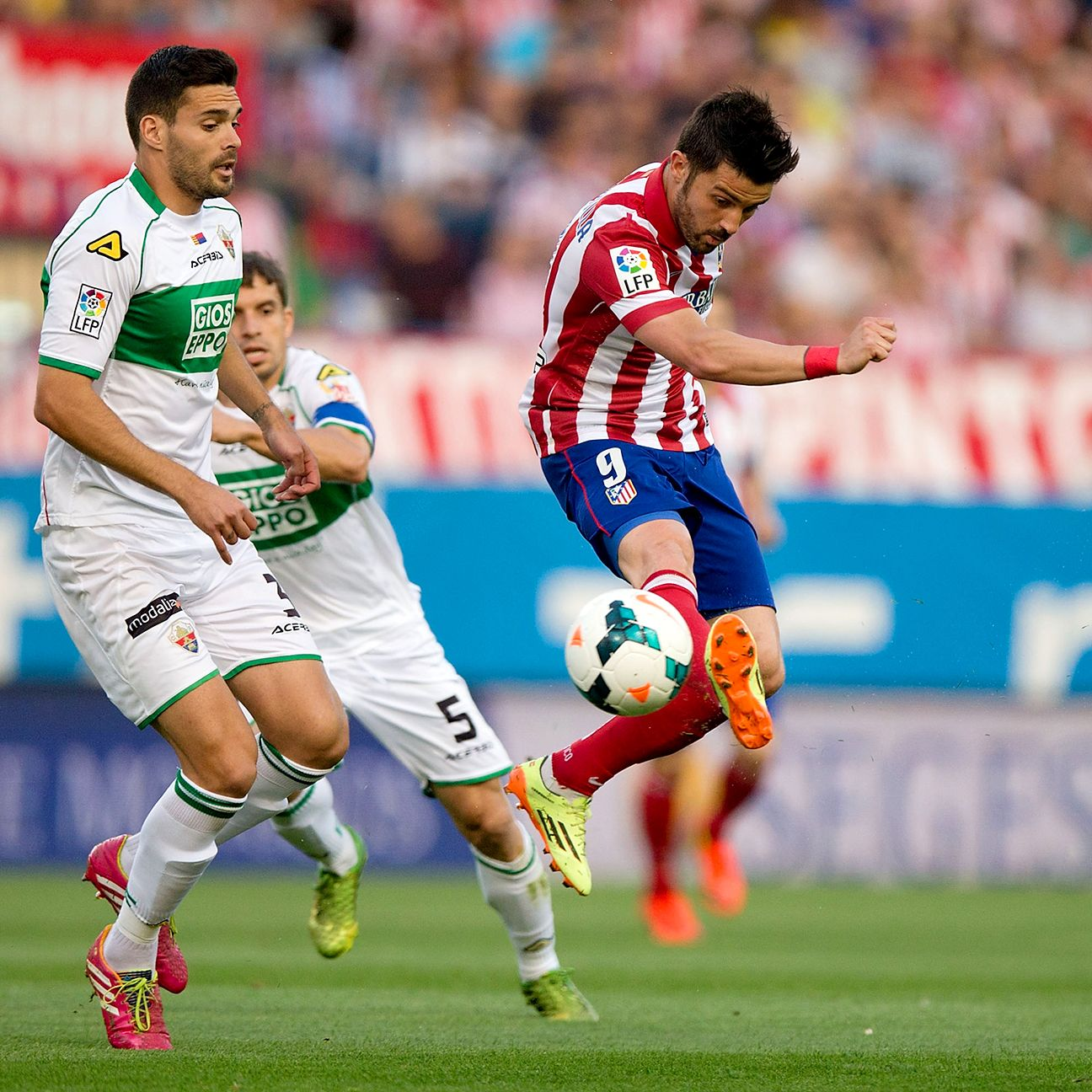 Alberto Botia (left) also spent the 2013-14 season on loan at Elche.