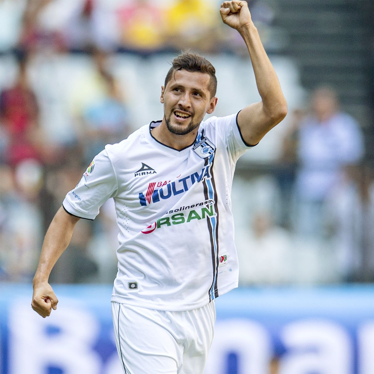 Yasser Corona started 19 games in defense for Queretaro during the 2015 Liga MX Clausura.