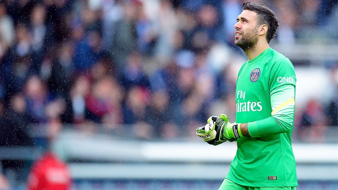 Salvatore Sirigu made 34 Ligue 1 starts for PSG in 2014-15.