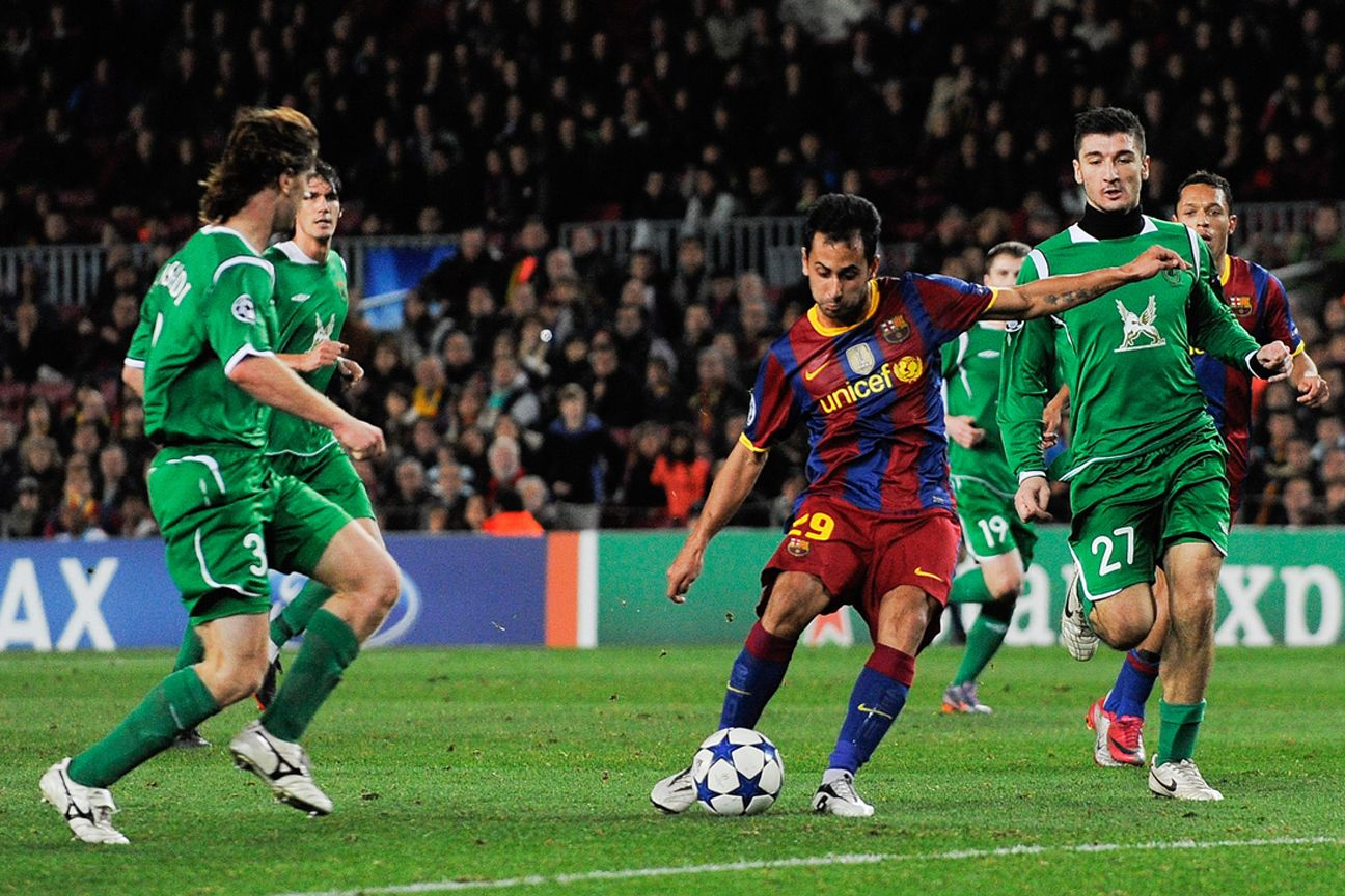Toronto FC signs former Barcelona midfielder Victor Vazquez