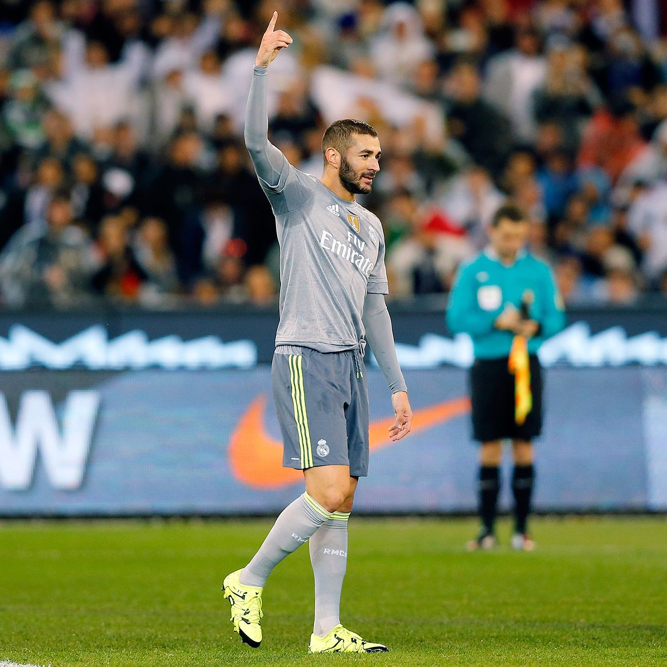 With Karim Benzema back and attracting attention from central defenders, Real Madrid's attack should have better success against Betis.