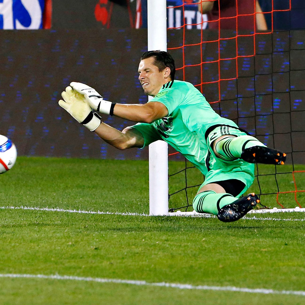 Last year, Shuttleworth was in the top-10 among many goalkeeping stats, including wins (16), saves (94), and clean sheets (8). So far this season, he has a record of 8-8-6 with six shutouts.