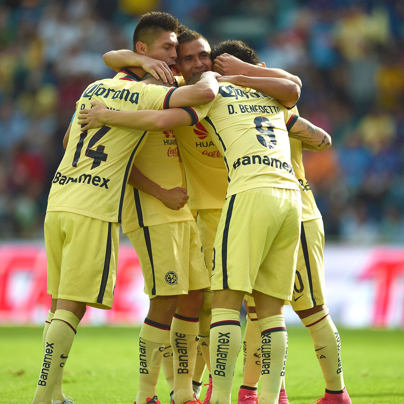 Club America's winning streak stretched to seven games after Saturday's 2-0 win at Cruz Azul.