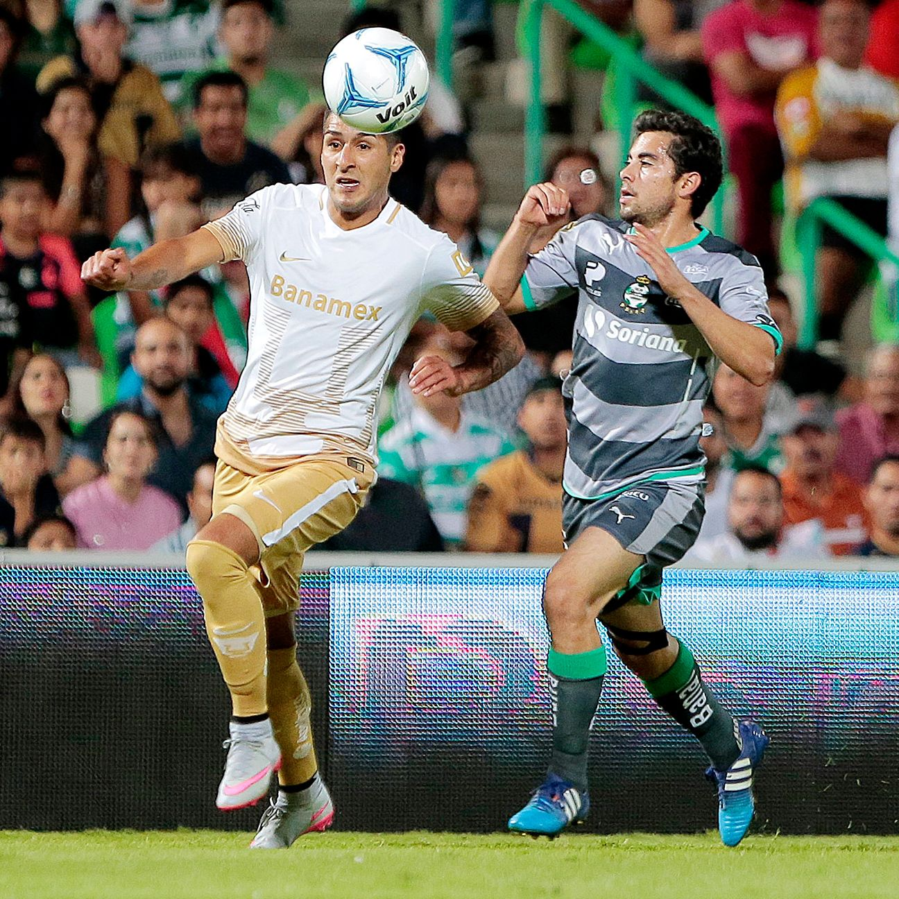 Pumas' Ismael Sosa was a thorn in the side of the Santos defense over the weekend.