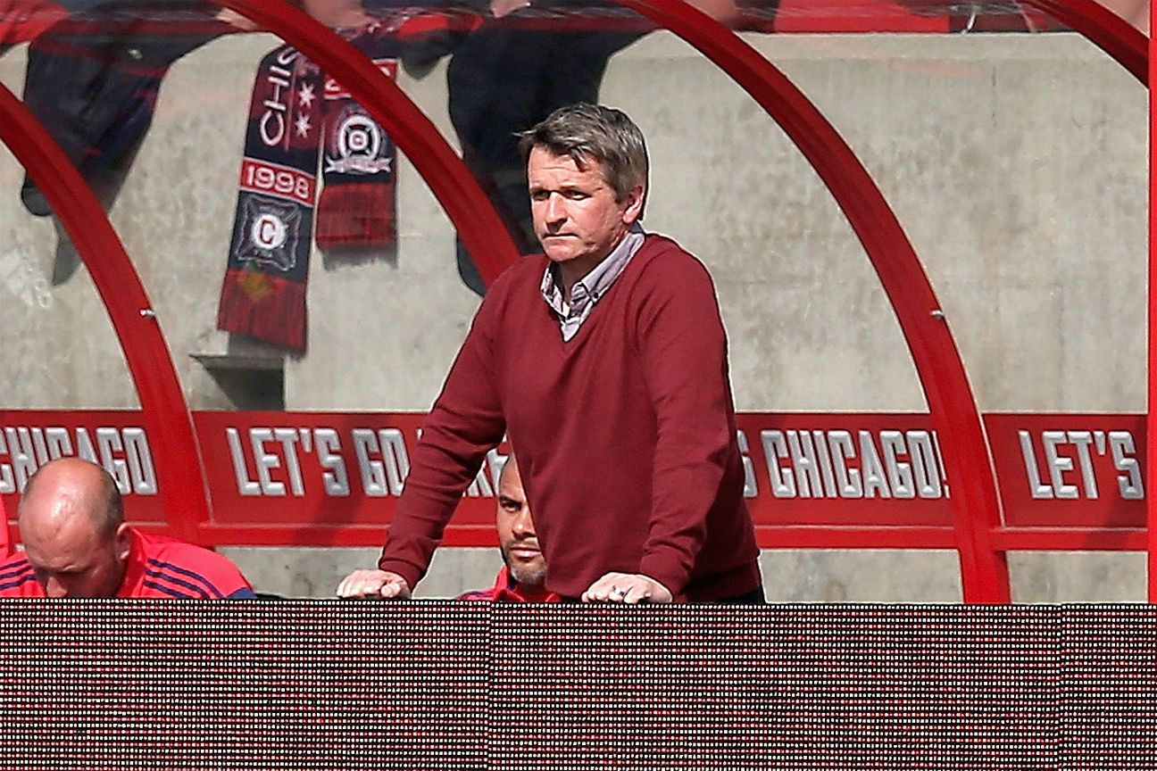 Frank Yallop steps down as Phoenix Rising coach amid bid to join MLS