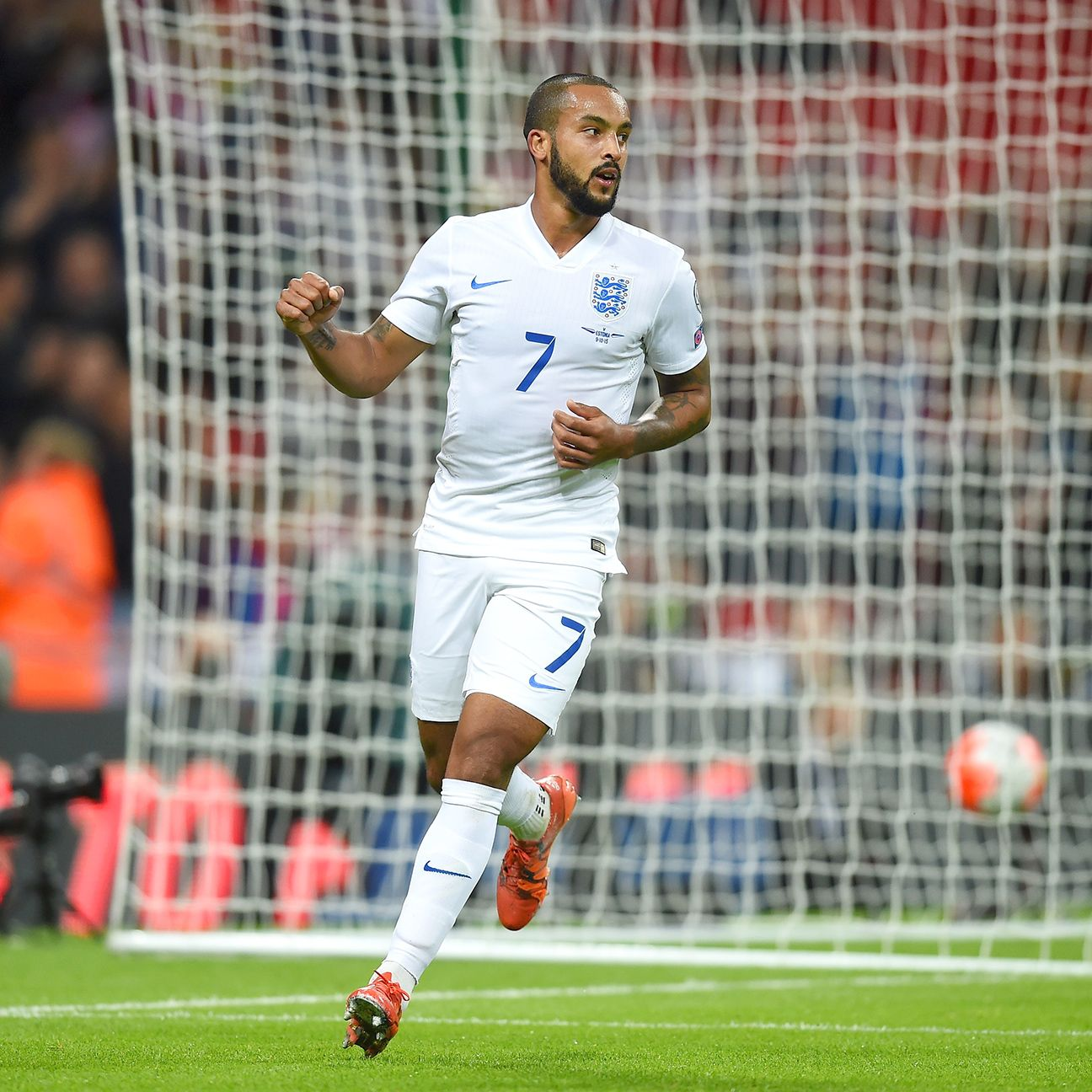 Arsenal striker Theo Walcott carried his red-hot form into international play.