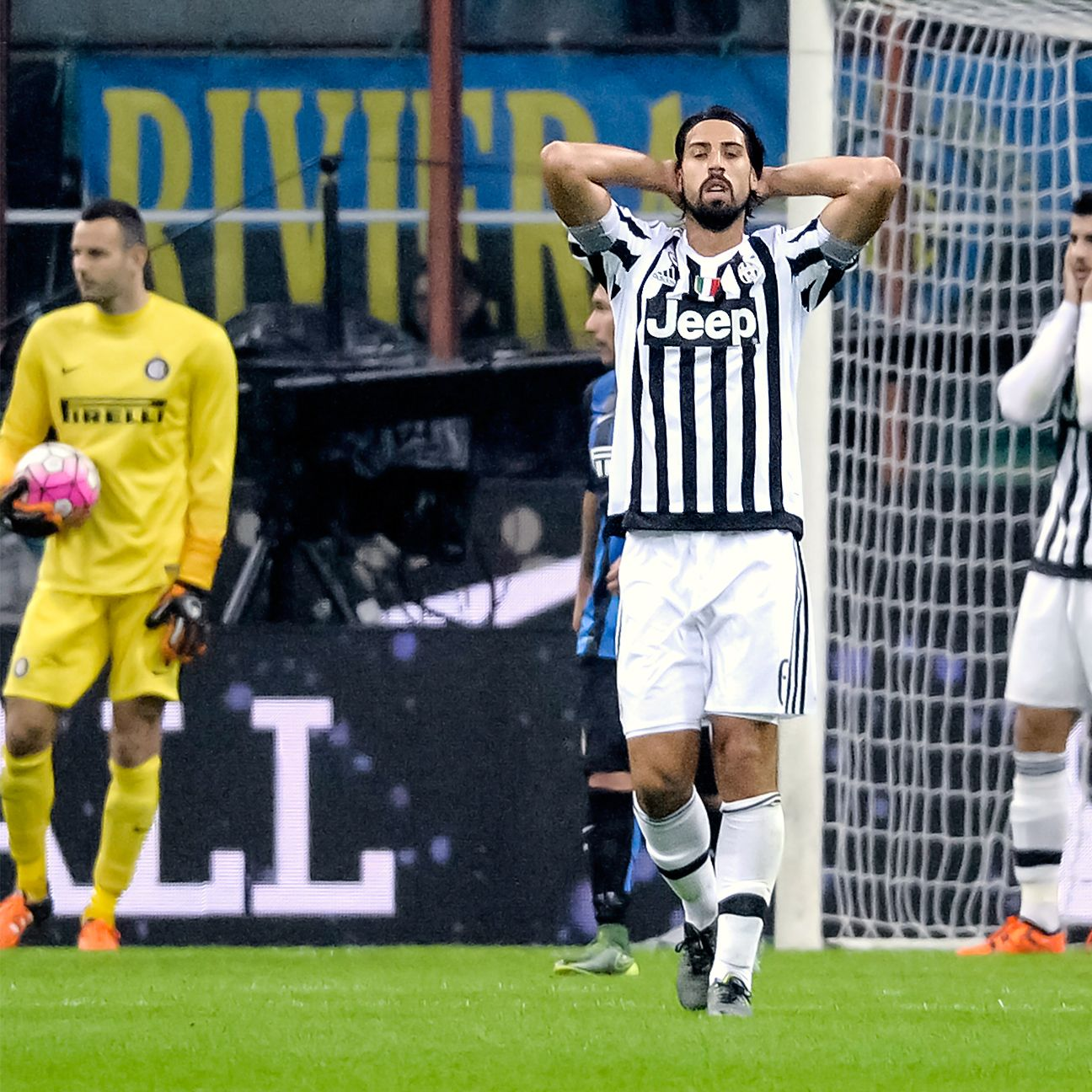 Sami Khedira and Juventus will be well-positioned to reach the Champions League knockout round should they defeat Borussia Monchengladbach.
