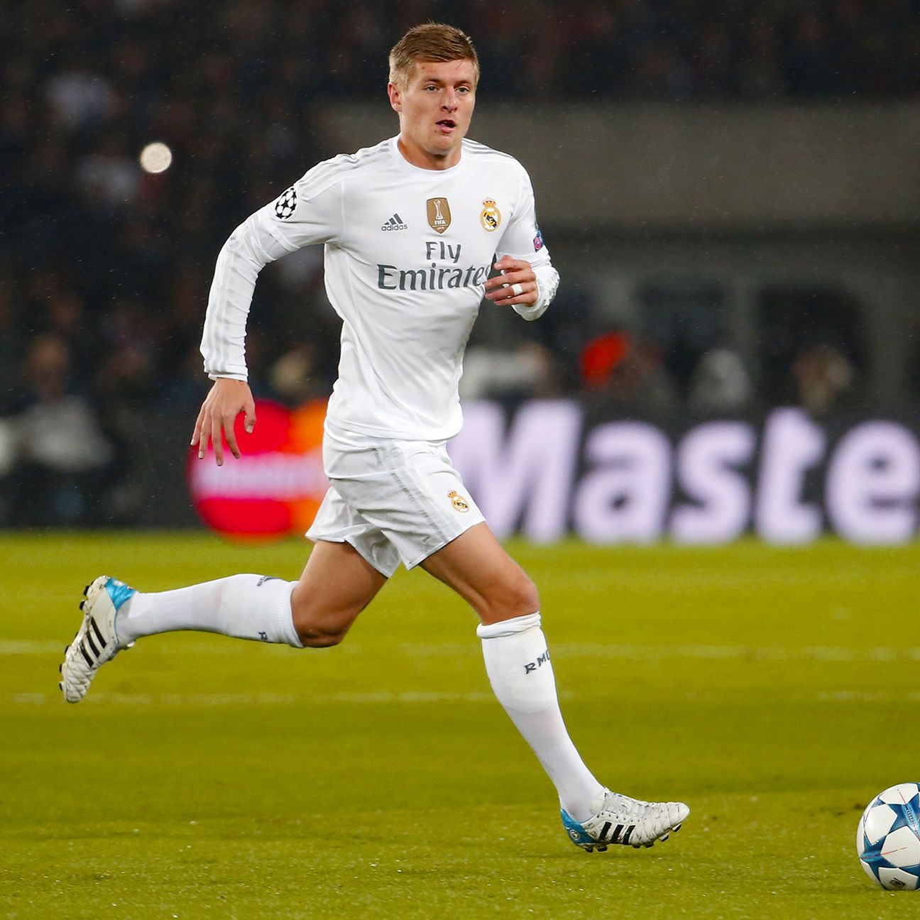 Toni Kroos' control of the midfield allowed Real to dictate the tempo against the French hosts.