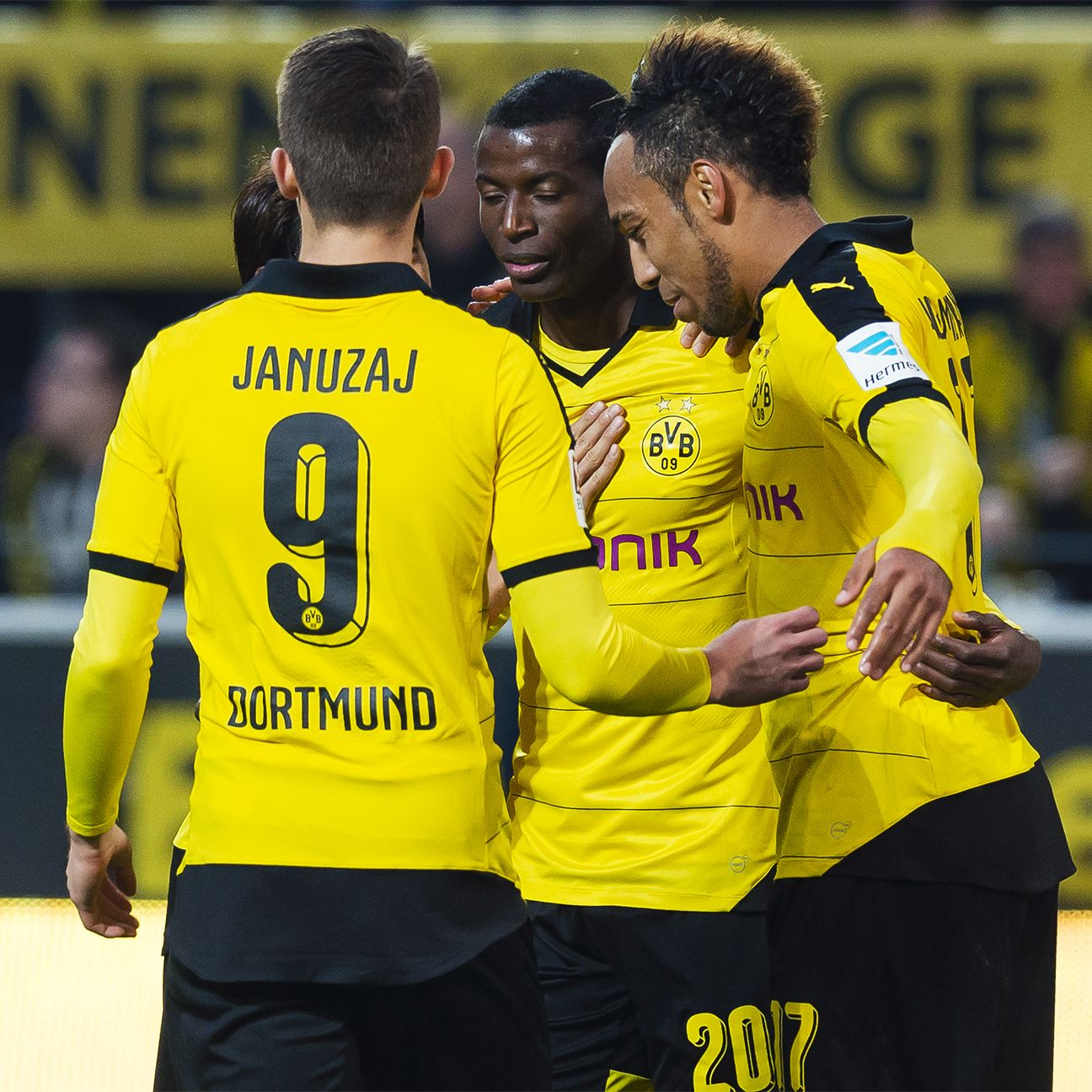 Borussia Dortmund's finely tuned attack will look to pour in more goals against Cologne.