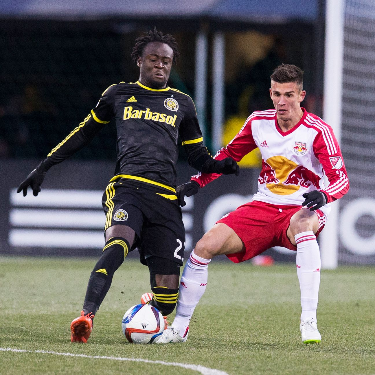 Matt Miazga, right, and the Red Bulls' defense will have their hands full with Kei Kamara, left.