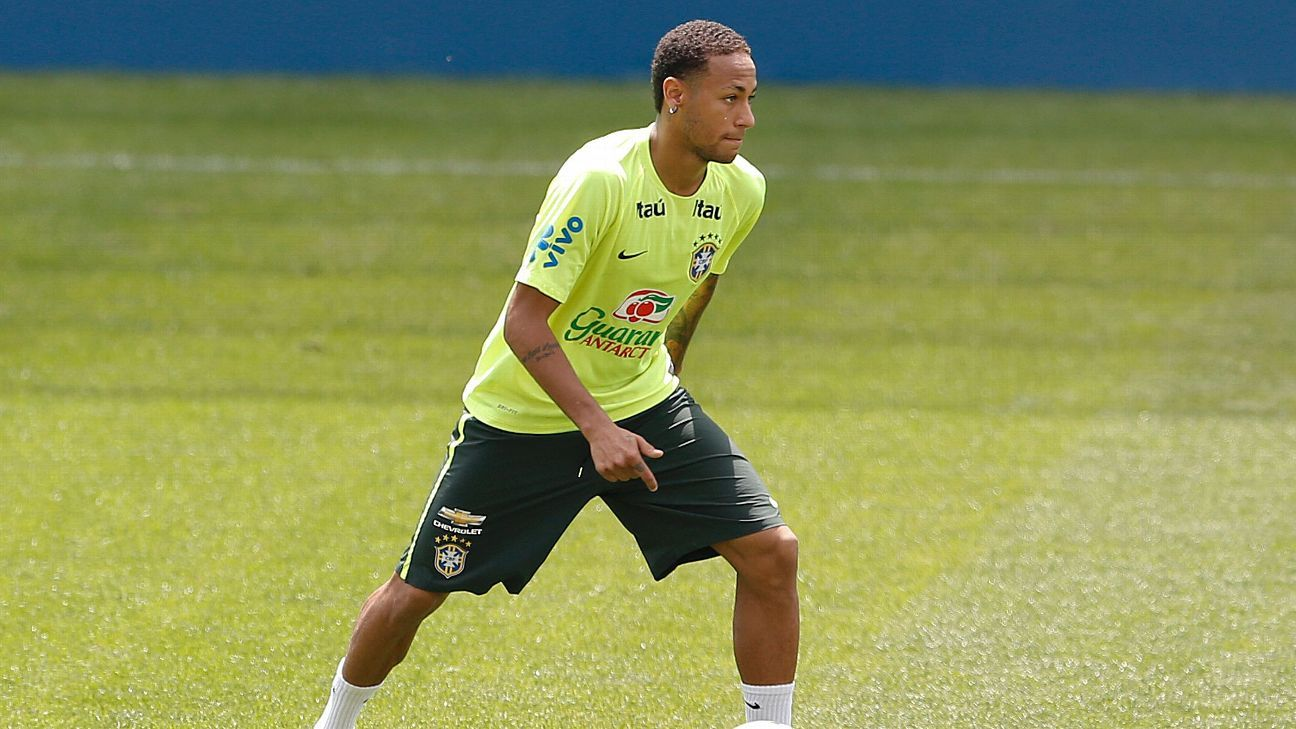 Neymar in training 151112