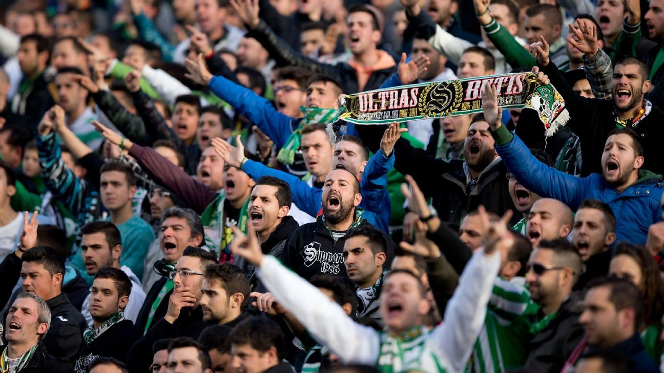 SEVILLE, SPAIN - JANUARY 18: Ultra fans of Real Betis Balompie protests to the Team«s manager executive during the La Liga match between Real Betis Balompie and Real Madrid CF at Estadio Benito Villamarin on January 18, 2014 in Seville, Spain.
