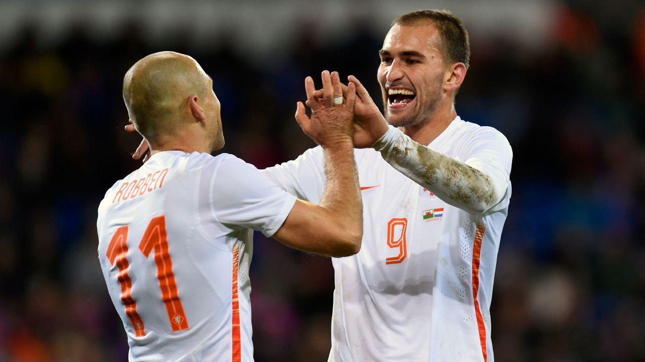 Bas Dost Arjen Robben celeb Netherlands Wales