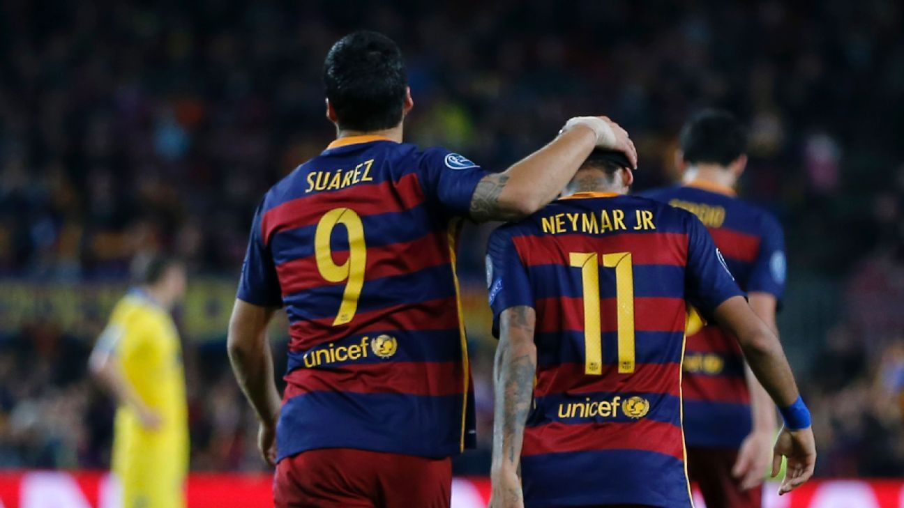 Luis Suarez and Neymar celebrate a goal