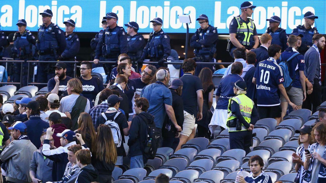 Melbourne Victory fans