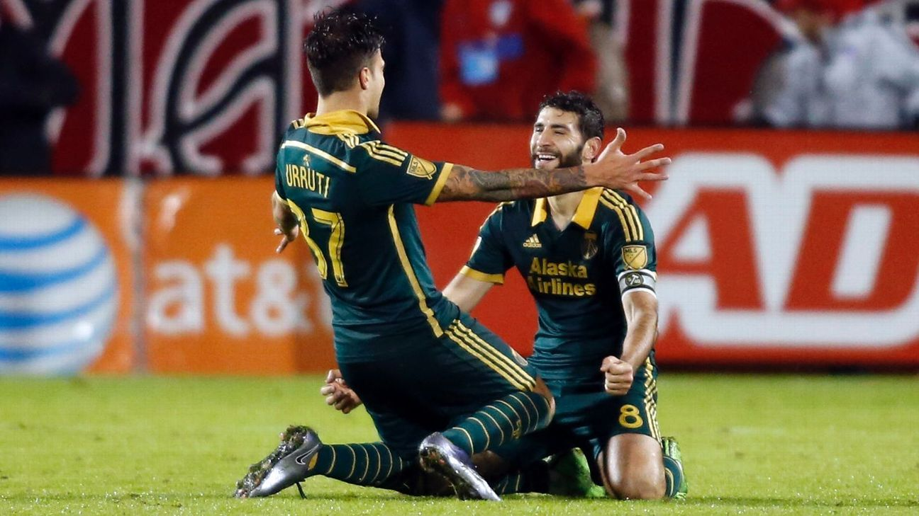 Max Urruti and Diego Valeri