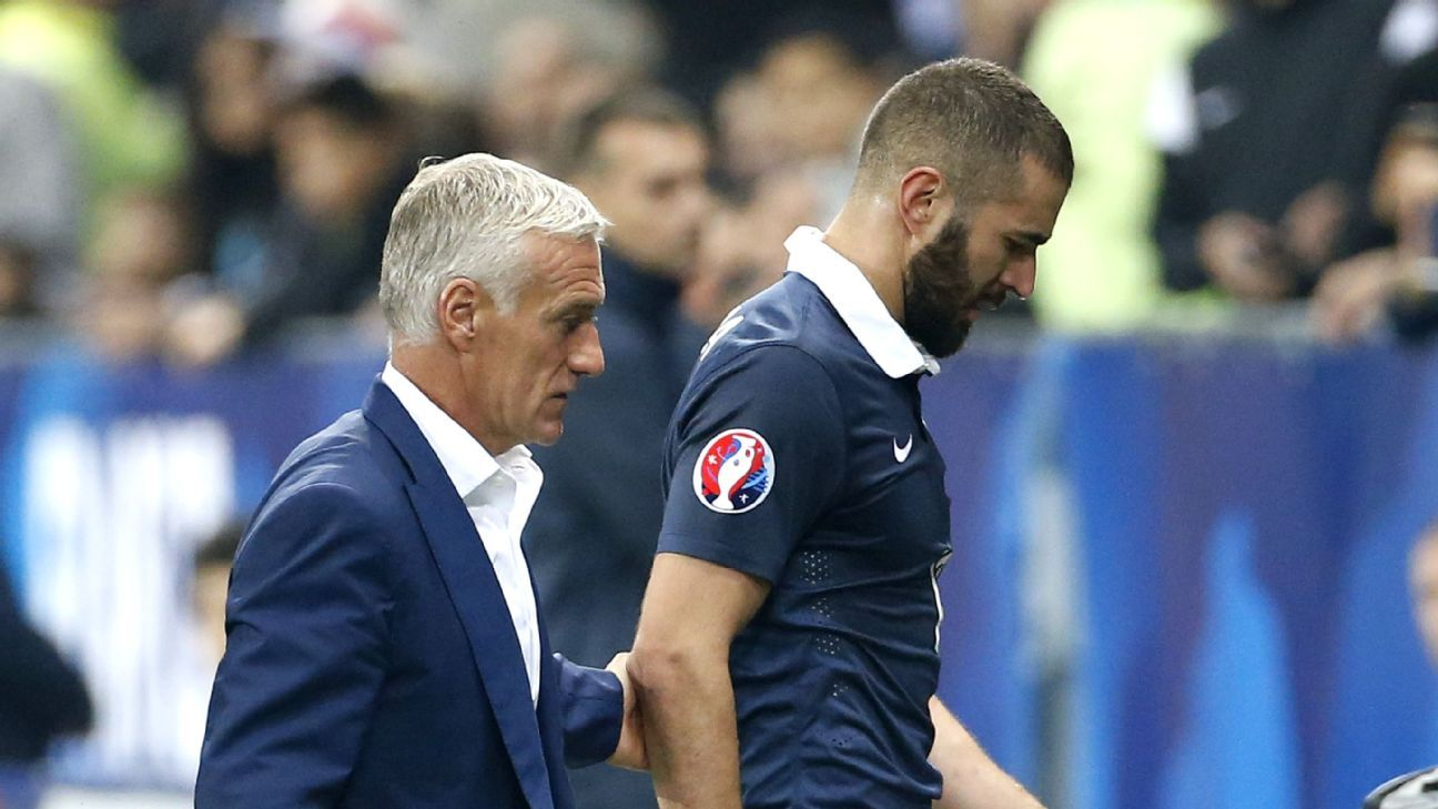 Karim Benzema of France is replaced by head coach Didier Deschamps after getting injured during the international friendly match between France and Armenia at Allianz Riviera stadium on October 8, 2015 in Nice, France. (Photo by Jean Catuffe/Getty Images)