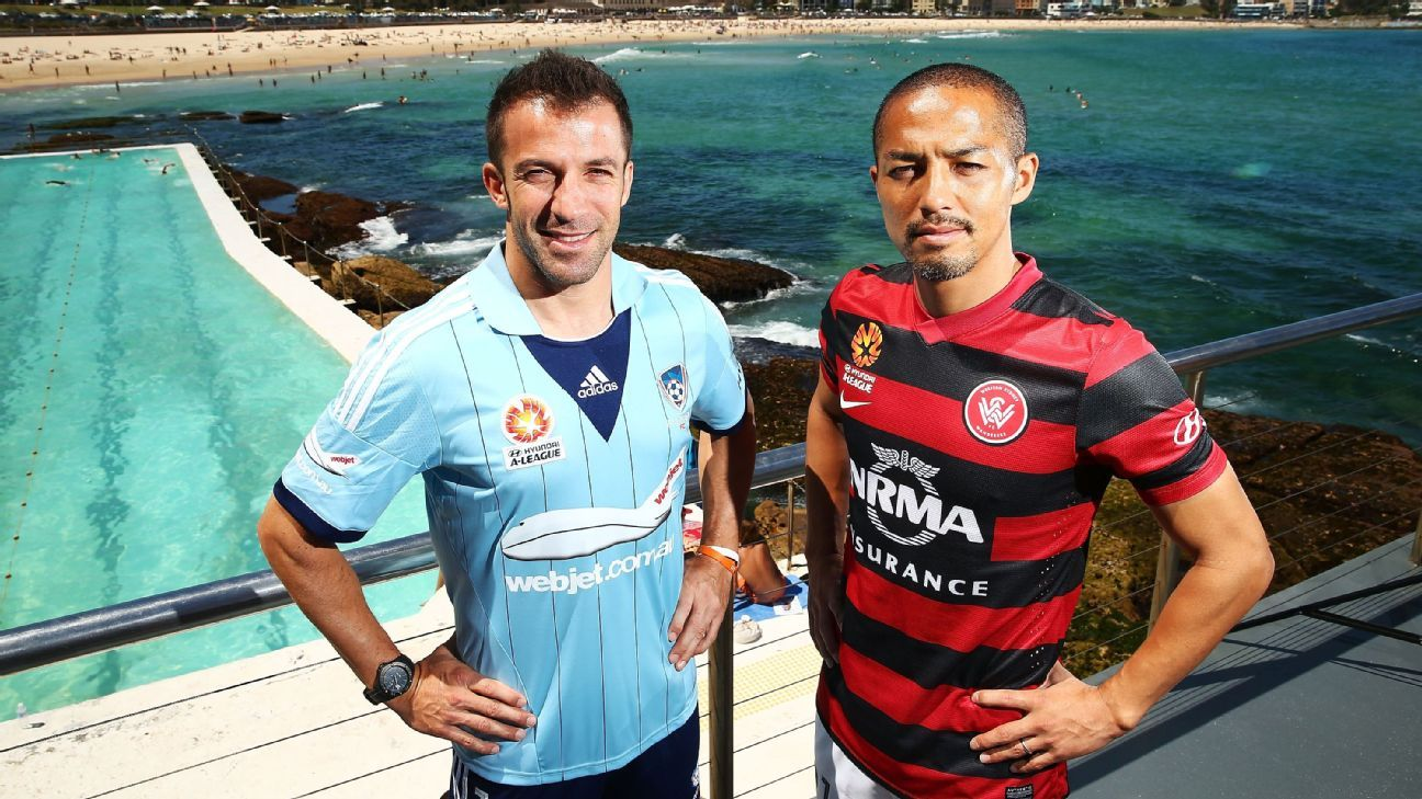Shinji Ono and Alessandro Del Piero in Australia