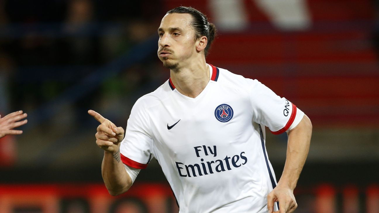 Zlatan Ibrahimovic of PSG celebrates his goal during the French Ligue 1 match between Stade Malherbe de Caen and Paris Saint-Germain (PSG) at Stade Michel D'Ornano on December 19, 2015 in Caen, France. (Photo by Jean Catuffe/Getty Images)