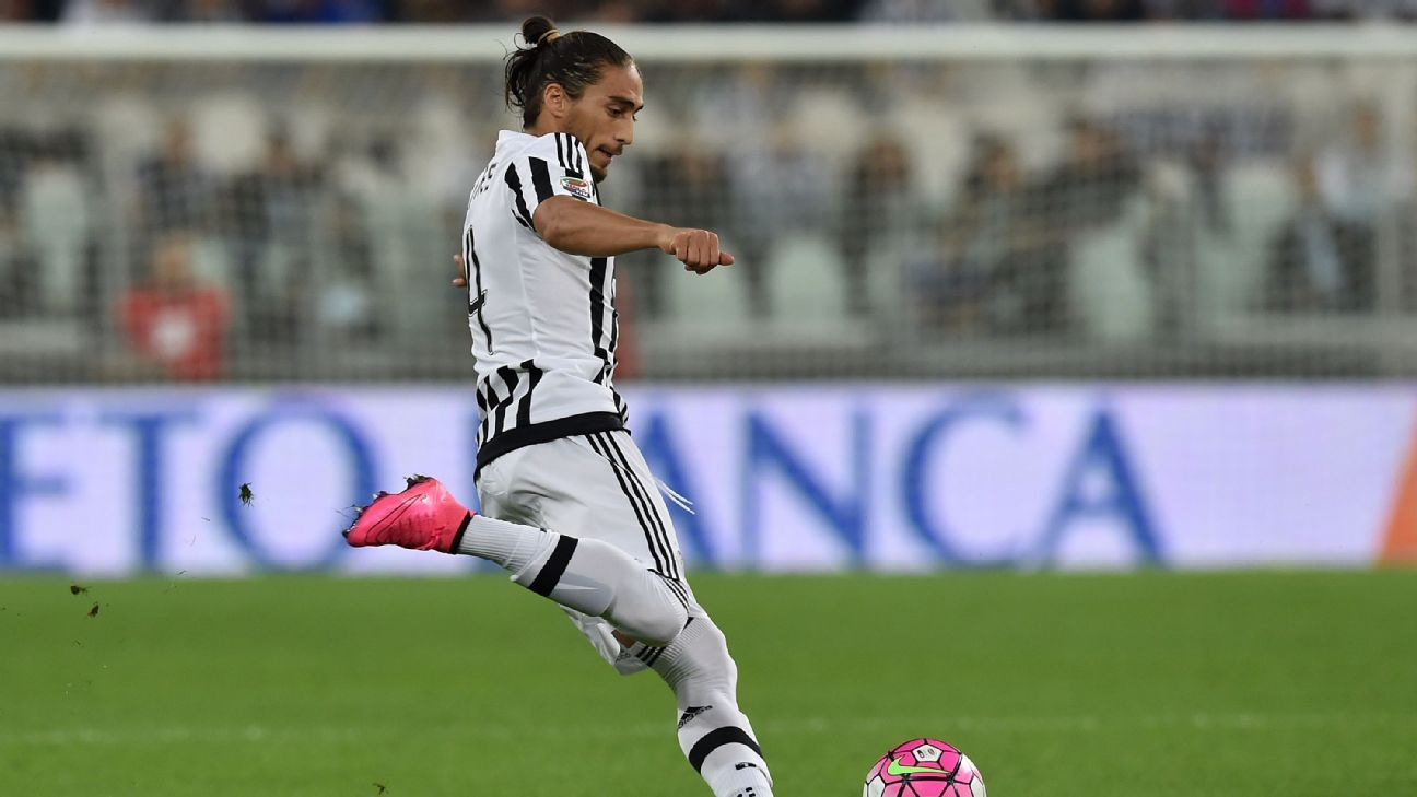 Martin Caceres is a forgotten man at Juventus, but could be quite a useful addition if he moves to Milan.