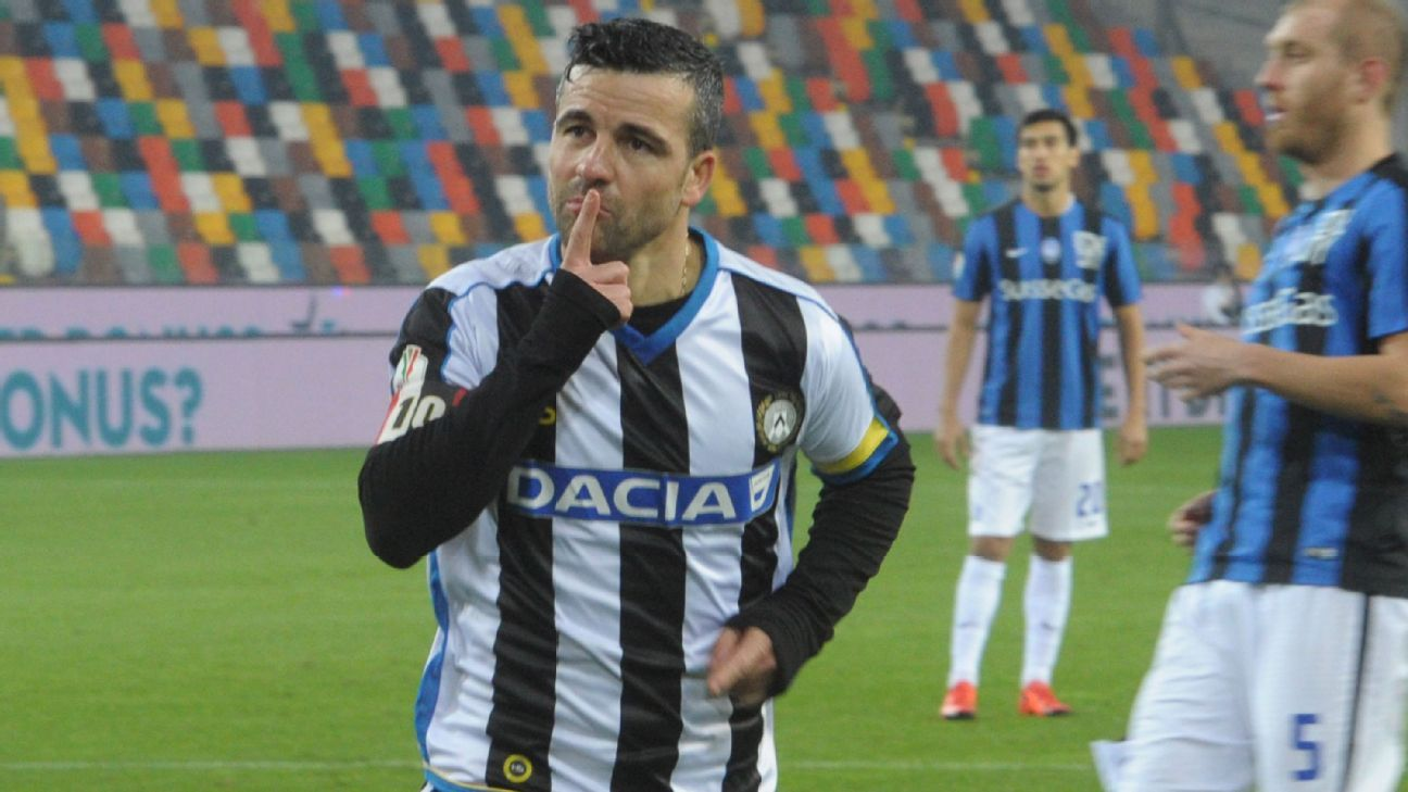 UDINE, ITALY - DECEMBER 02:  Antonio Di Natale   of Udinese celebrates after scoring his opening goal during the TIM Cup match between Udinese Calcio and Atalanta BC at Stadio Friuli on December 2, 2015 in Udine, Italy.  (Photo by Dino Panato/Getty Images