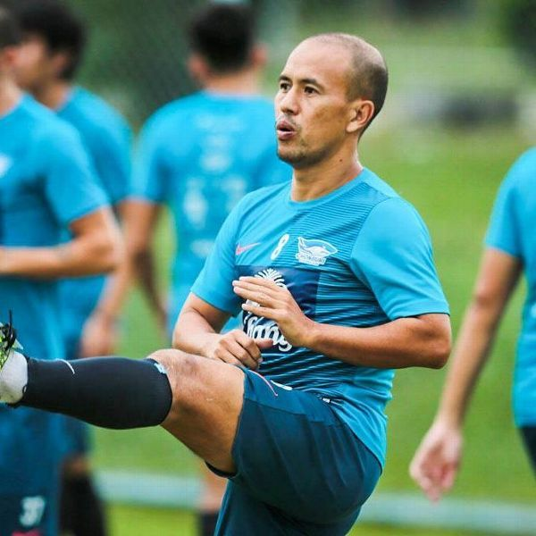 Chonburi head coach Therdsak Chaiman