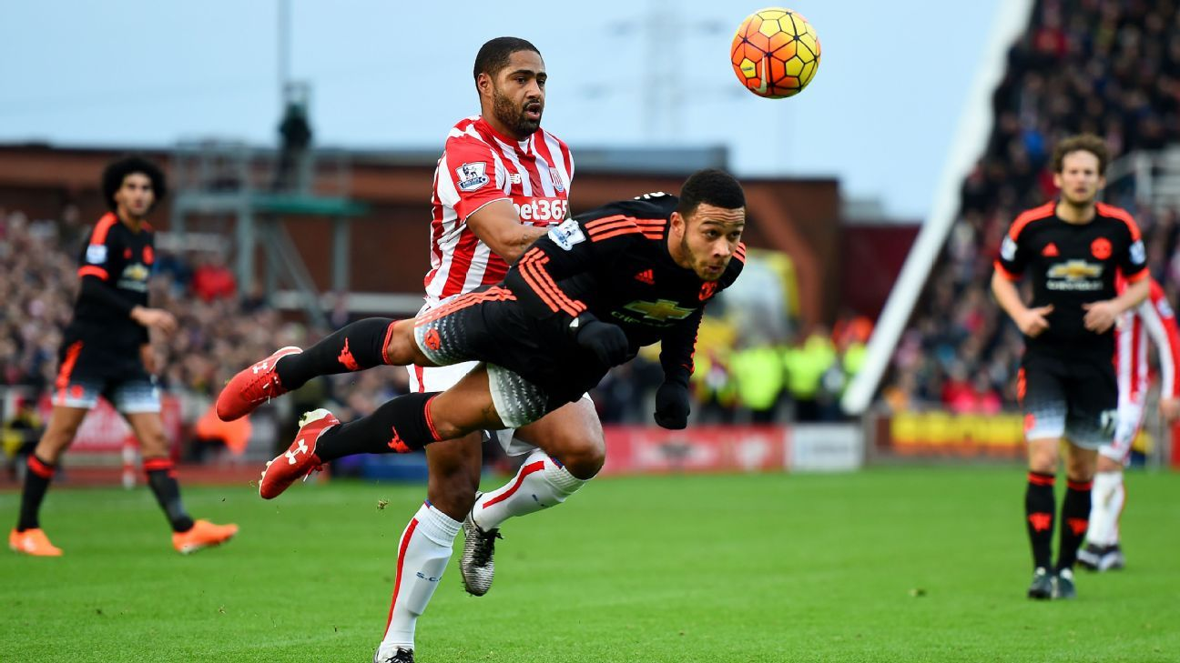 Memphis Depay had an afternoon to forget on Boxing Day at the Britannia.