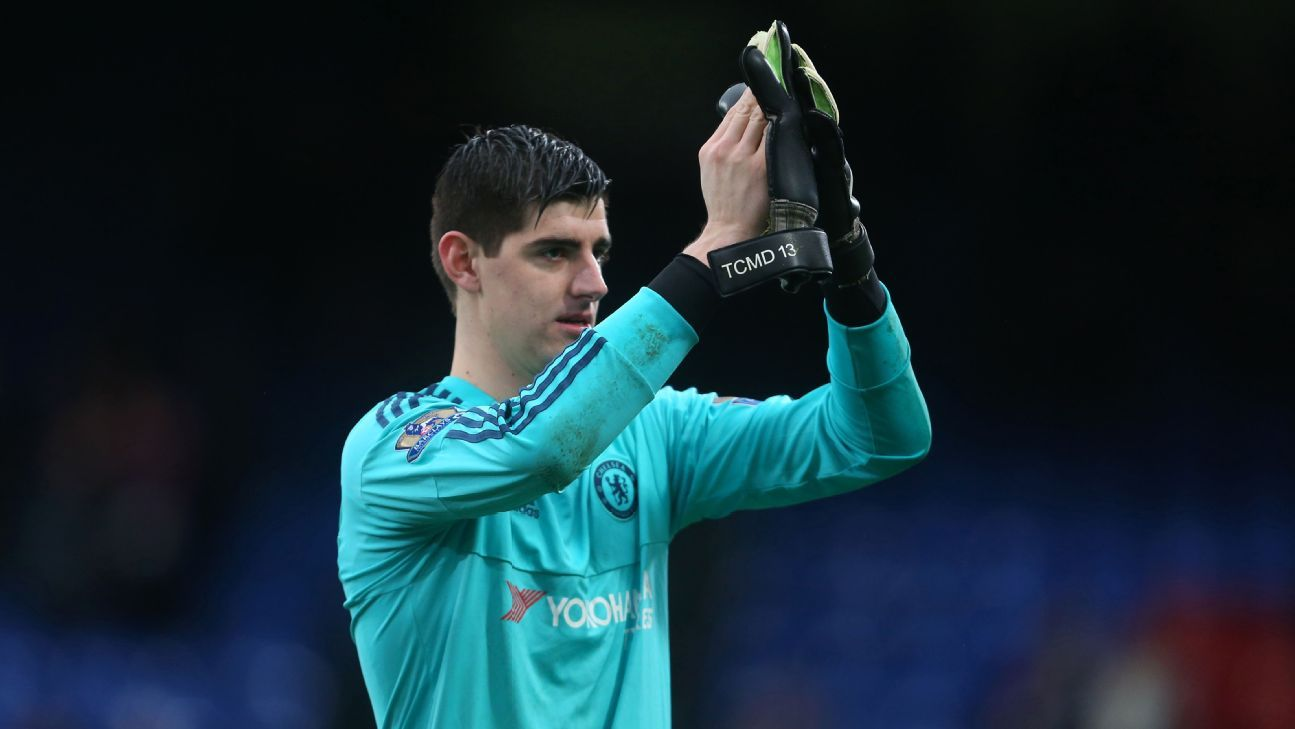 Thibaut Courtois of Chelsea applauds after the Barclays Premier League match between Crystal Palace and Chelsea at Selhurst Park on January 3, 2016 in London, England. (Photo by Catherine Ivill - AMA/Getty Images)