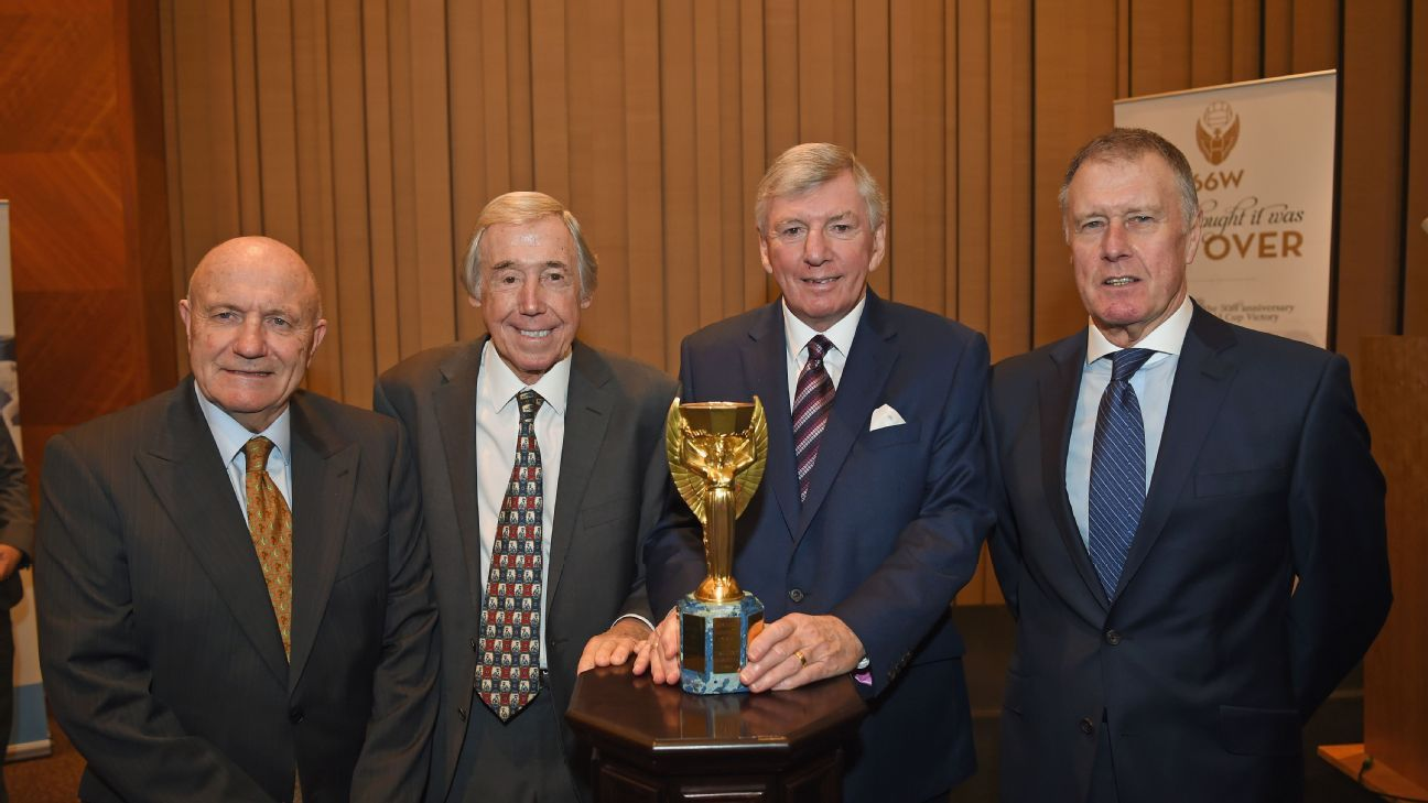 George Cohen, Gordon Banks, Martin Peters & Sir Geoff Hurst