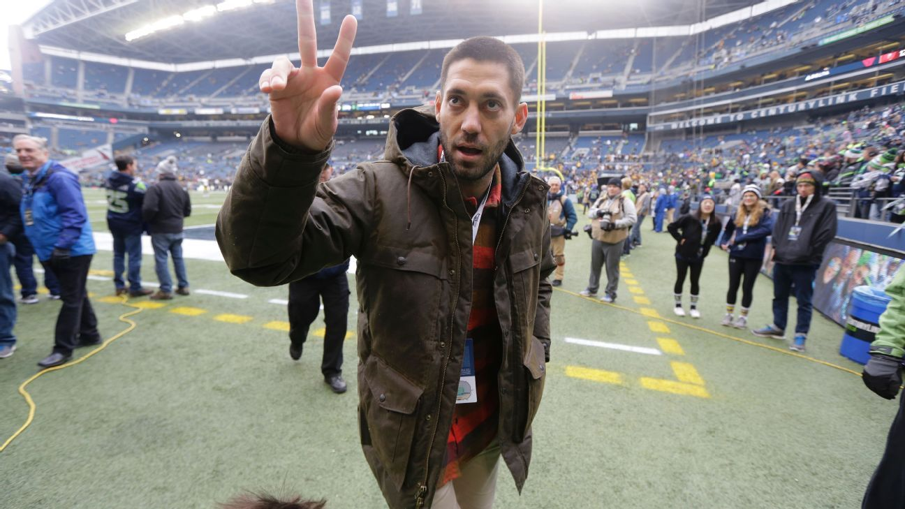 Seattle Sounders pay tribute to Clint Dempsey after U.S. star's retirement