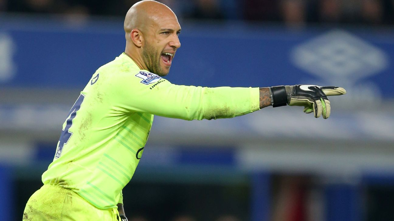 Tim Howard remains Everton's No. 1 despite calls for back-up Joel Robles from fans.