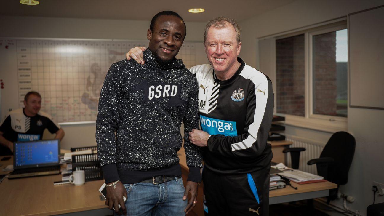 Steve McClaren and Seydou Doumbia