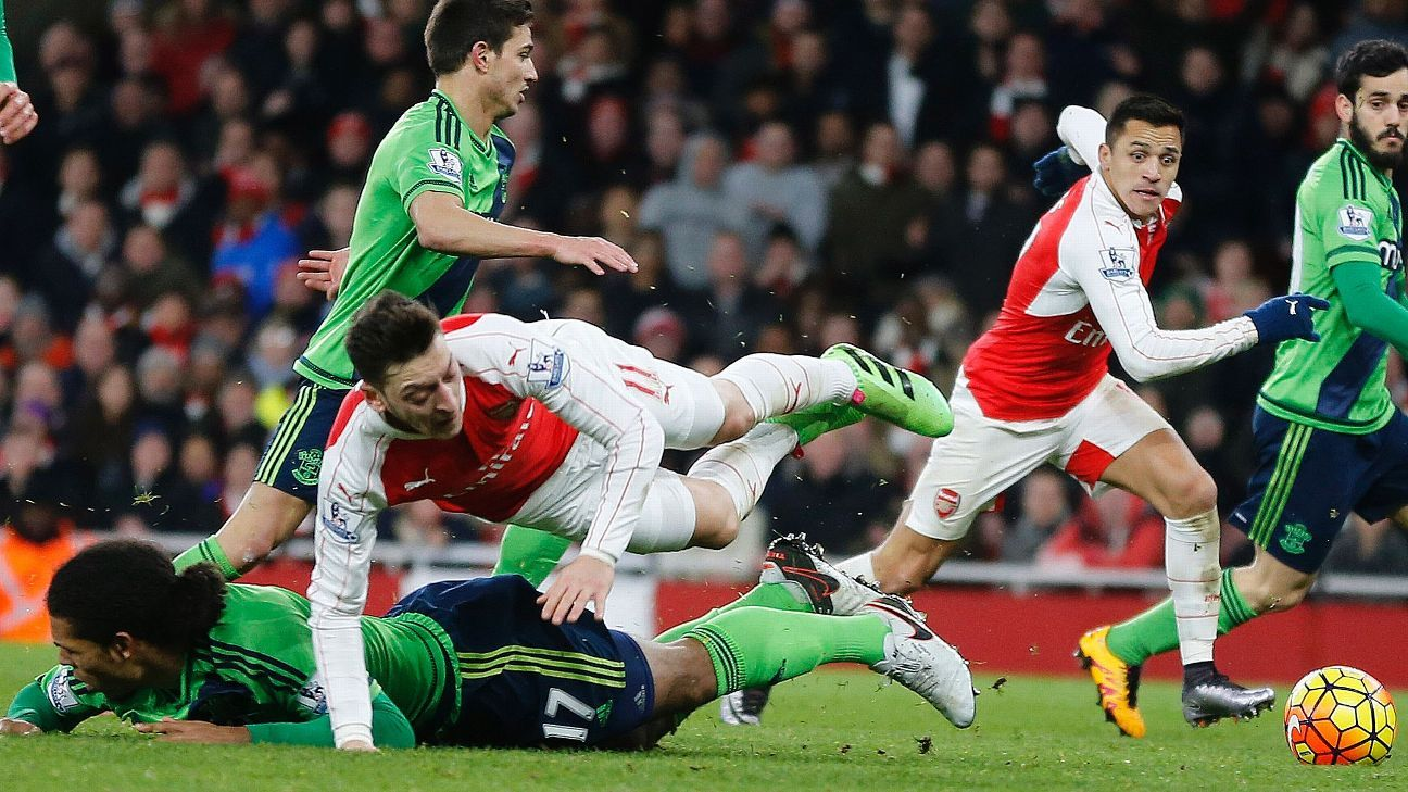 Ozil Sanchez vs Stoke 160202