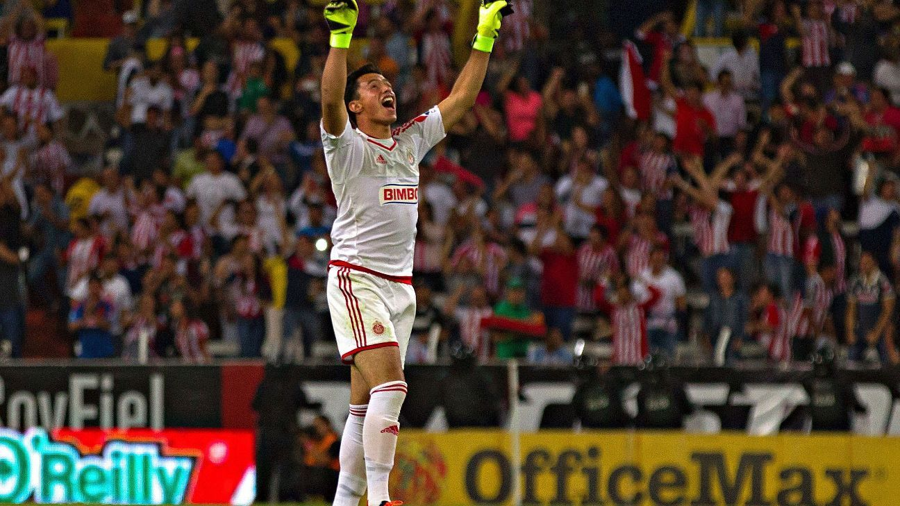 Antonio Rodriguez of Chivas is one of the few young Mexican goalkeepers who has received regular playing time in Liga MX.