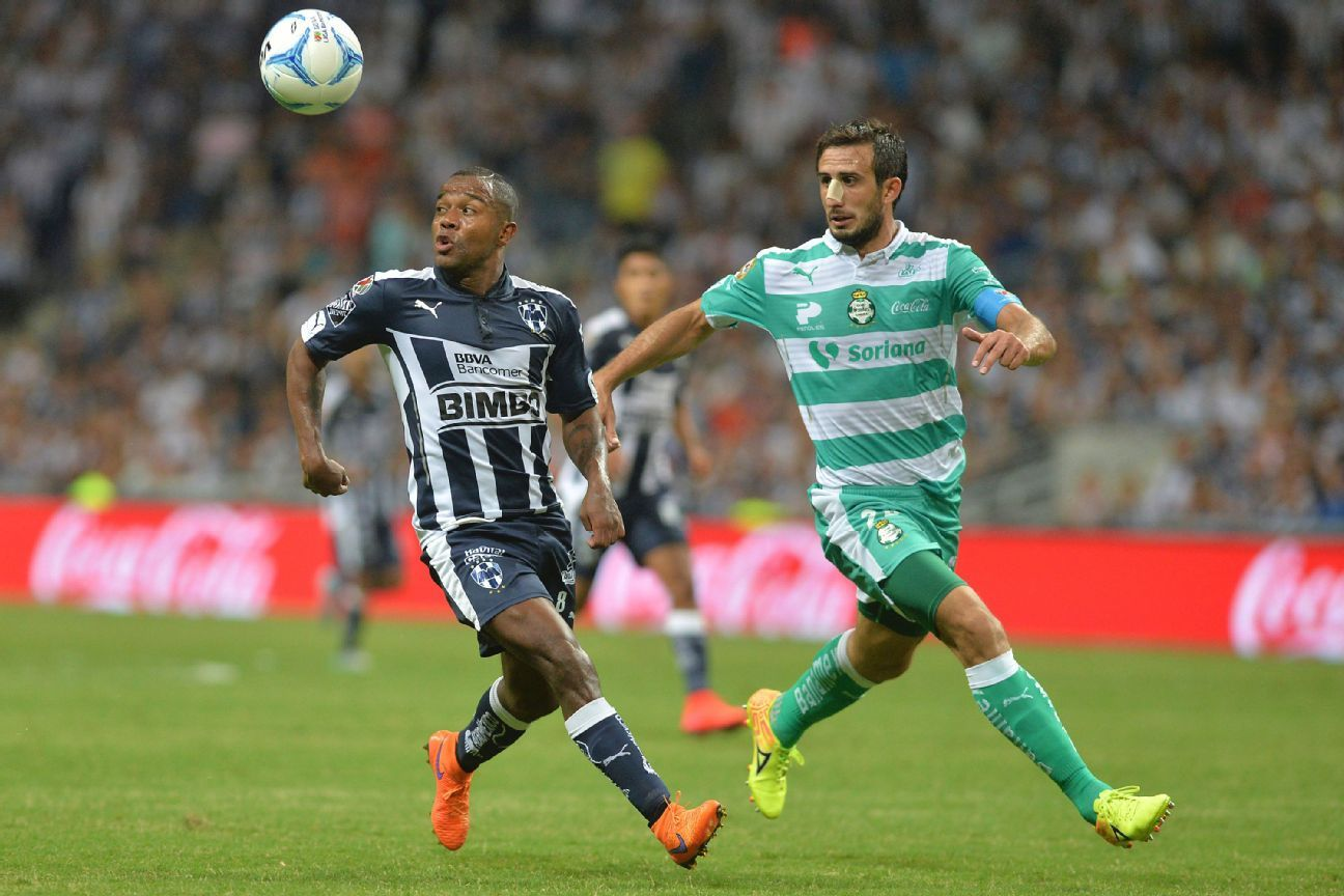 Monterrey forward Dorlan Pabon, left, will be looking to make the most of their chances against Carlos Izquierdoz, right, and the Santos defense on Friday.