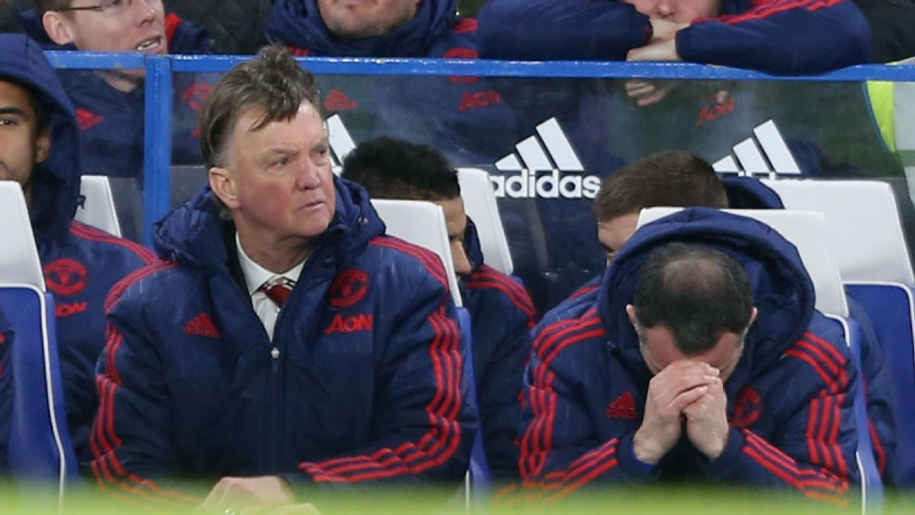 Louis van Gaal and Memphis Depay looking for cup redemption at United