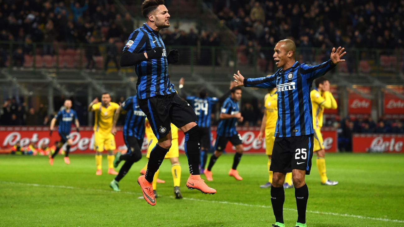 Defenders Danilo D'Ambrosio, left, and Joao Miranda, right, each struck for goals in Inter's 3-1 win.