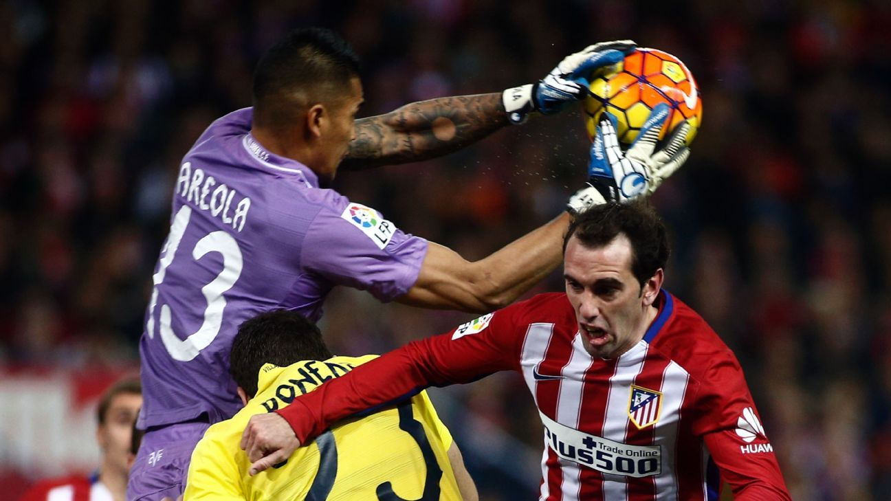Godin vs Villarreal keeper 160221
