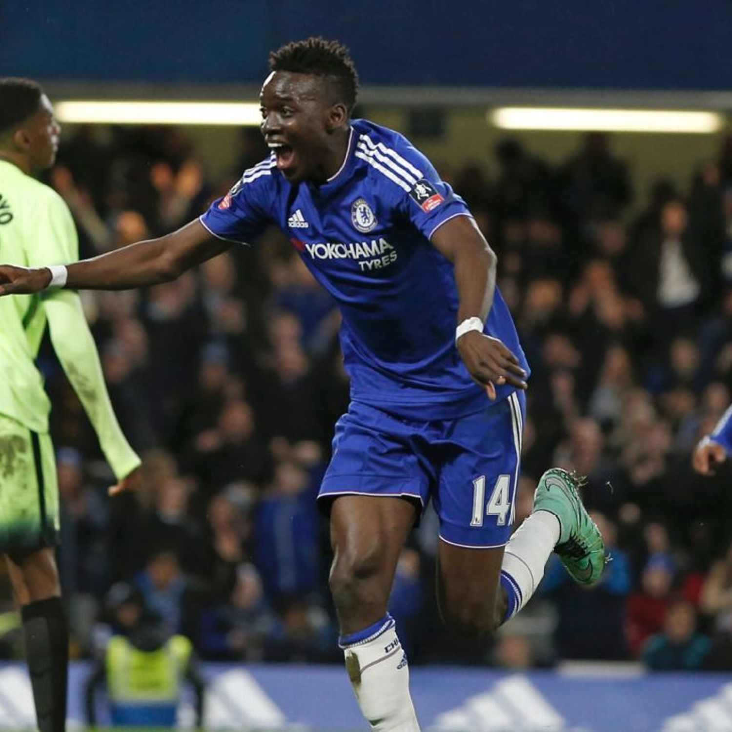 Guus Hiddink Prefers Bertrand Traore To Loic Remy And Pato