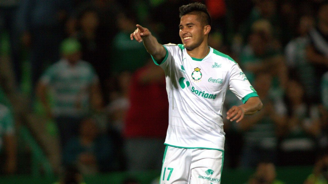 Ulises Davila played a big role in leading Santos over the L.A. Galaxy in the CONCACAF Champions League quarterfinals.