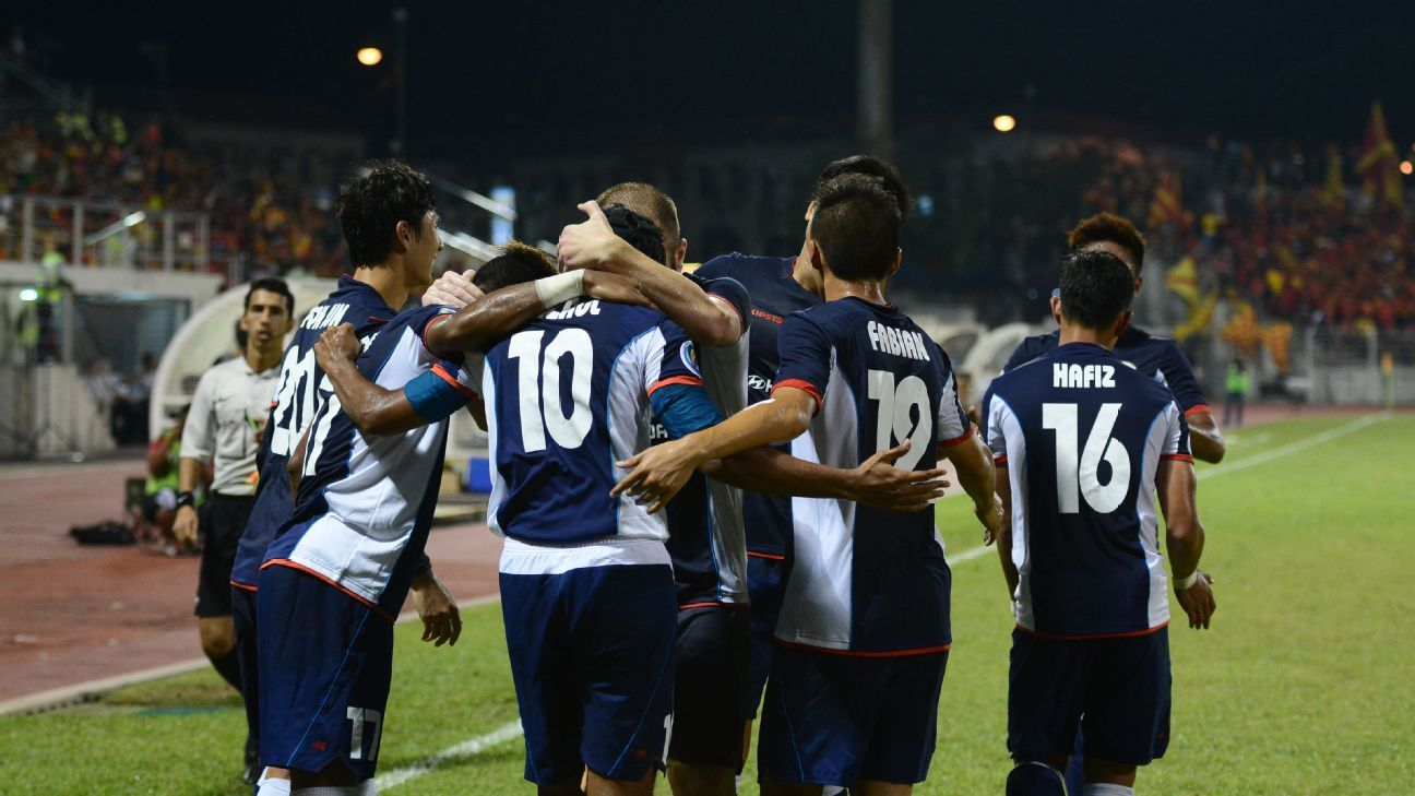 Tampines Rovers celebrate Fazrul's goal