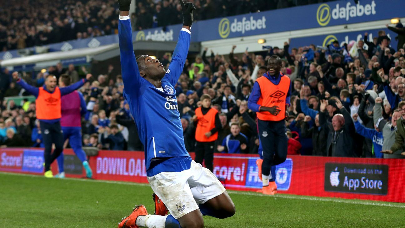 Lukaku celebrating v Chelsea