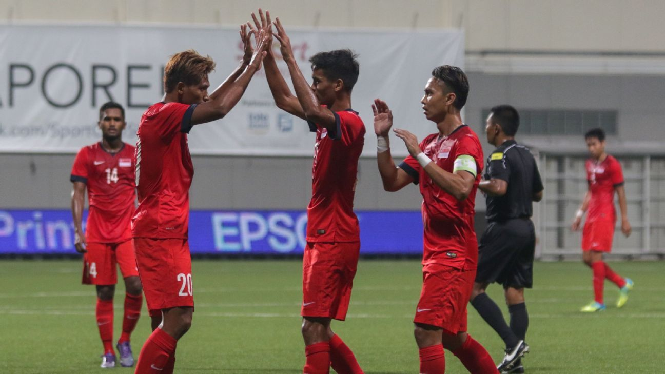 Singapore celebrate Shahril Ishak goal in 2-1 win over Myanmar