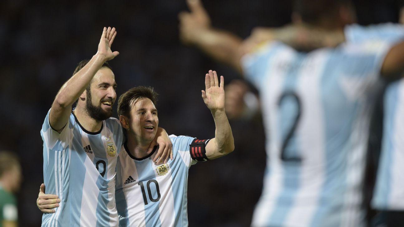 Messi Higuain celeb vs Bolivia 160329