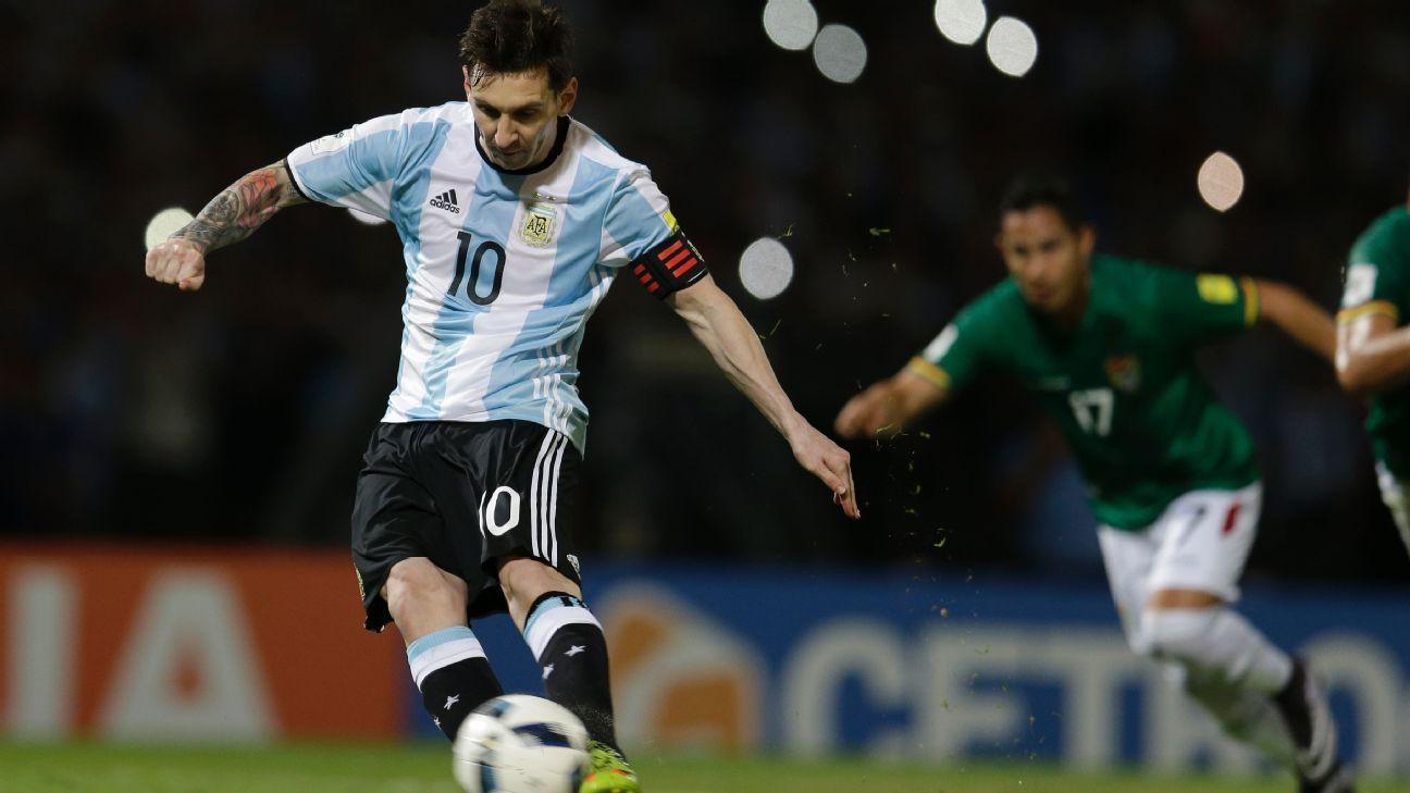 Messi spot kick vs BOL 160329